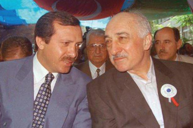 Recep Tayyip Erdoğan et Fethullah Gülen côte à côte en 1995